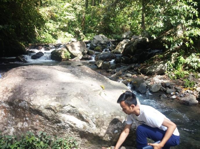Bersiap Menyeberangi Sungai