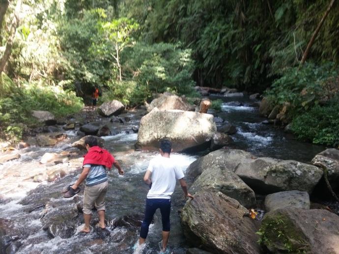 Menyeberangi Sungai Lagi