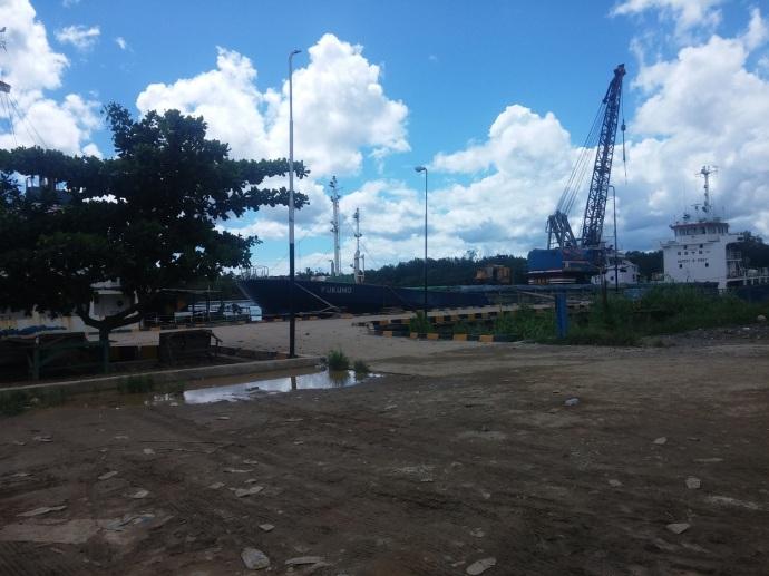 Pelabuhan Bintuni. Dari Sini Pula Sejawat Saya Naik Kapal untuk ke Puskesmas