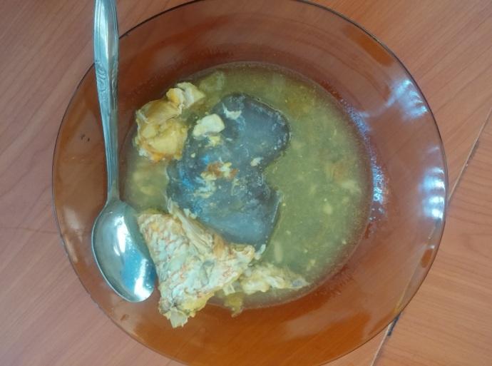 Papeda Dimakan Bersama Ikan Kuah Kuning